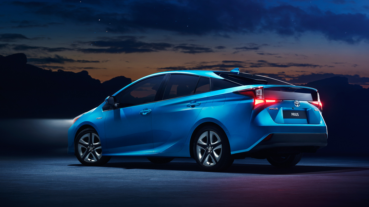 2019 Toyota Prius with new Hybrid AWD-i system to debut at the Los Angeles Auto Show