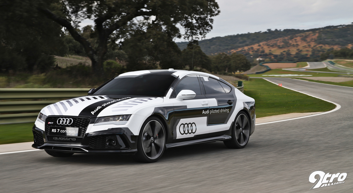 Audi RS Piloted Driving Look No Hands Tro - Audi piloted driving